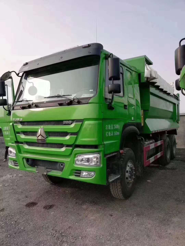重汽豪沃8.6自卸车绿色 440马力