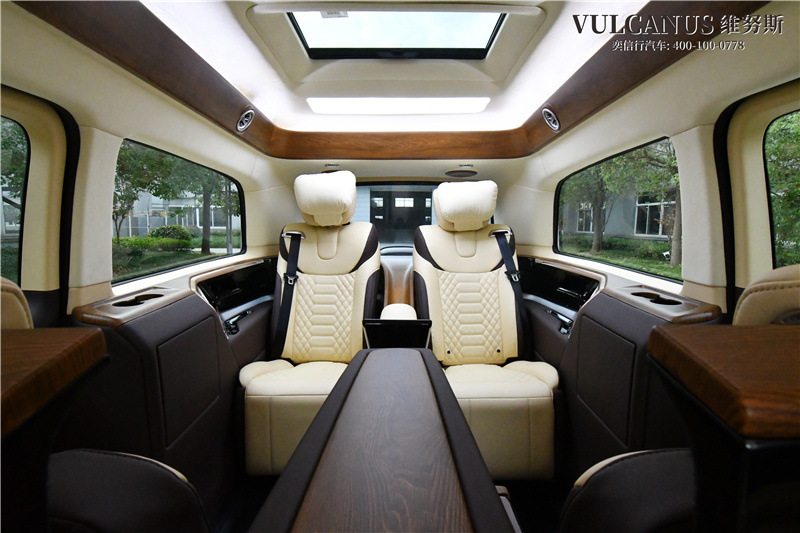 江西南昌县顶级商务车图片展示 奔驰v级奢华改装车行情报价