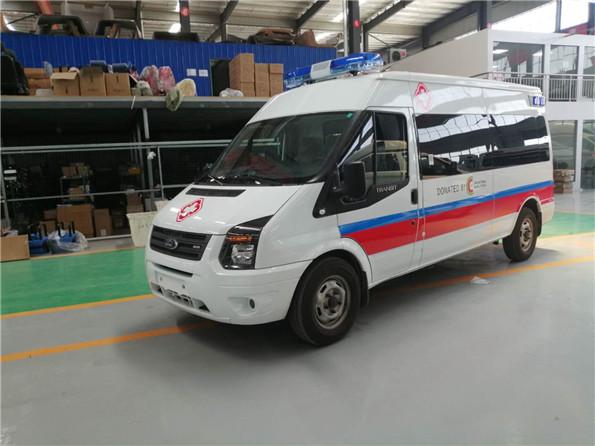 出口医疗救护车_出口非洲福特负压救护车顺利交付