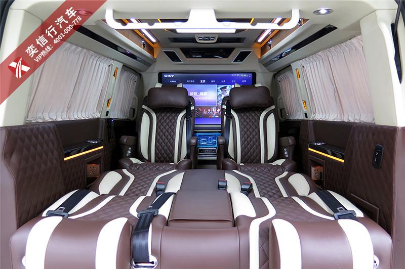 購買奔馳V級房車,最高優惠10萬,超低首付只需1成起,享尊貴出行