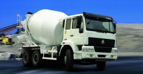 重汽LNG金王子水泥攪拌車包上戶價格