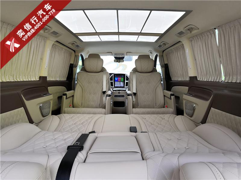 奔馳威霆房車7座改裝定制 米色內飾大氣典雅 價格50萬左右,性價比高