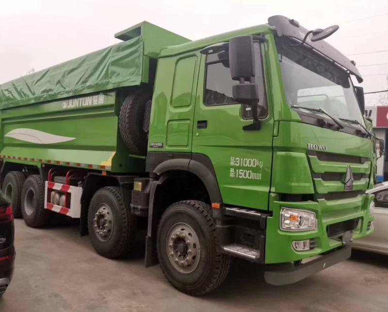 中国重汽豪沃5.8米自卸车整车