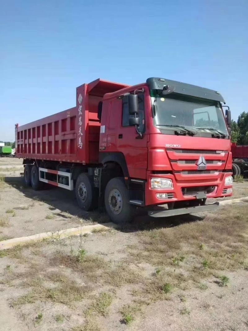 3臺8.8米豪沃自卸車中國重汽卡車
