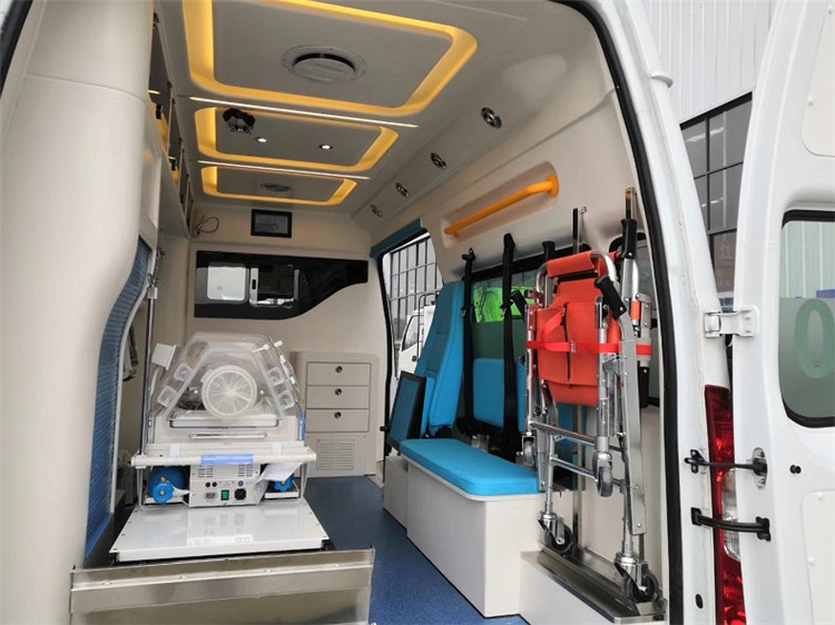 福特v362方舱救护车_层流负压方舱医疗车_厂家报价