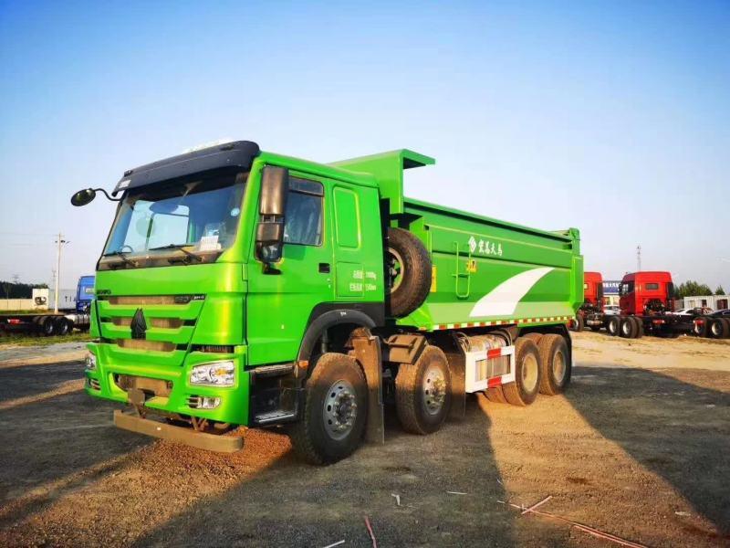 豪沃5.6米法规版渣土车