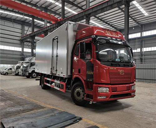 解放J6L高顶双卧6.8米冷藏车 _解放6米8冷藏车价格