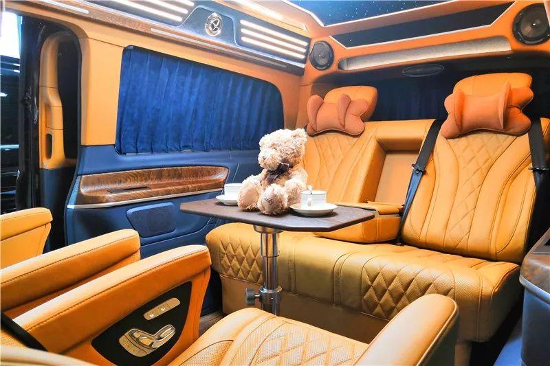 台州 奔驰商务车内饰升级 座椅改装哪里可以?房车图片展示及报价