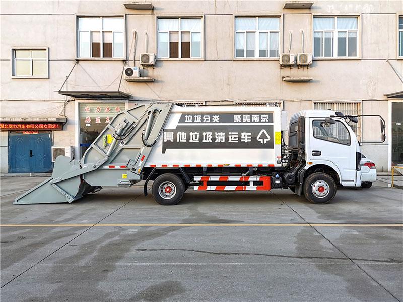 东风多利卡D7压缩式垃圾车_图片_参数_价格及使用介绍_压缩垃圾车的价格