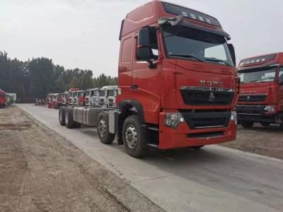 豪沃T7H8*4载货,可出9.6米货箱