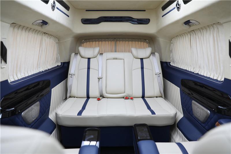 绍兴 诸暨 奔驰V260房车报价 改装高顶外观 红黑内饰搭配低调 高贵气质