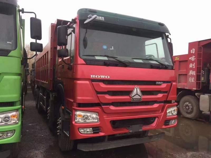 豪沃 V7自卸车6米自卸整车新火红、武汉绿