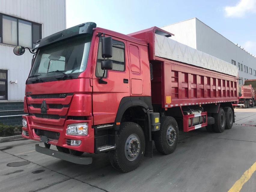 重汽豪沃自卸库存车,双层车架440马力,总共44台整车