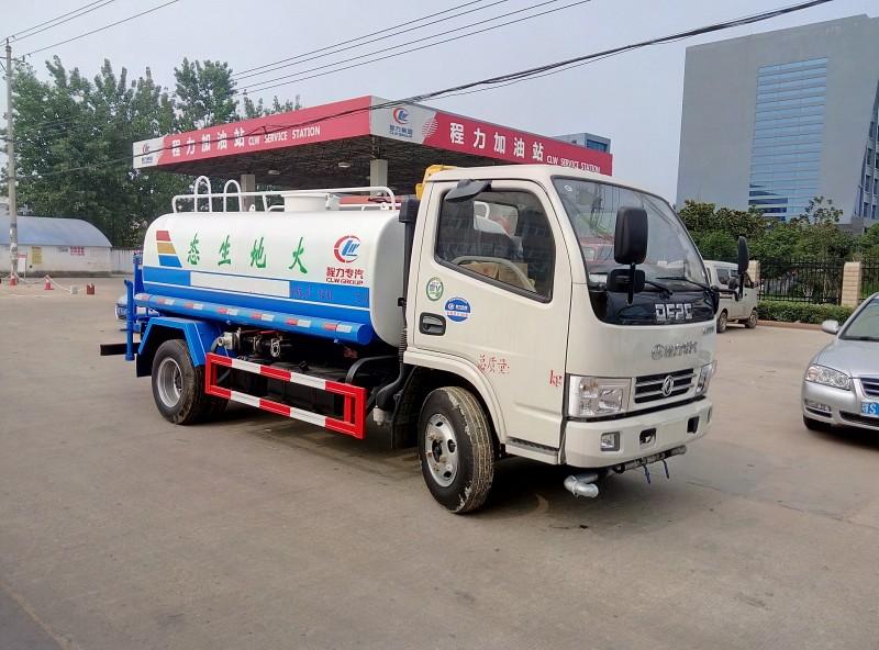 東風小多利卡5噸灑水車
