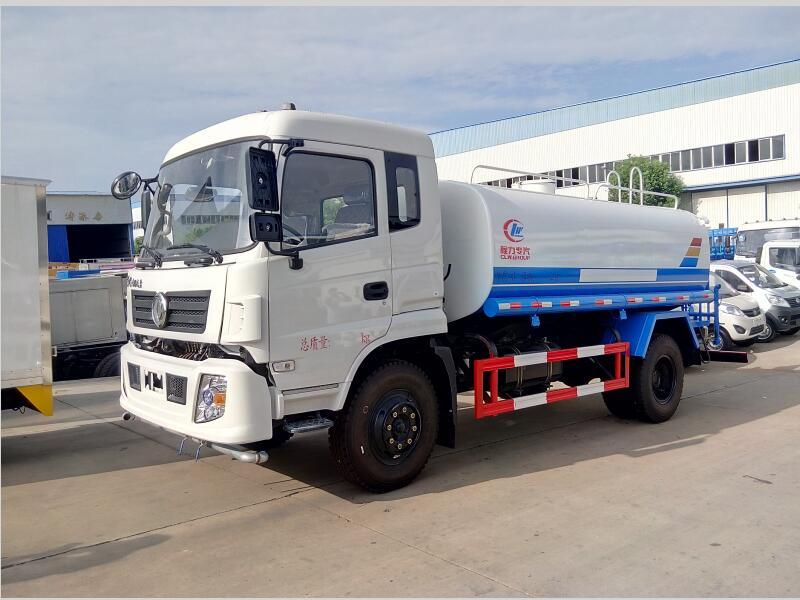 东风专底12-15吨洒水车