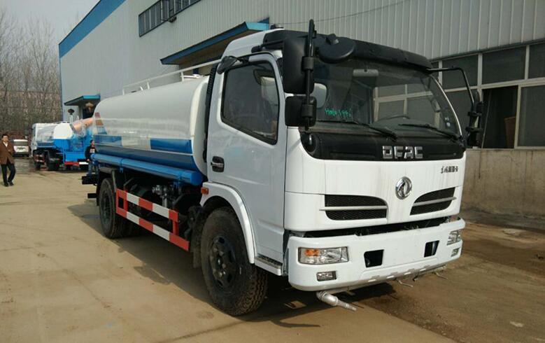 東風福瑞卡8噸灑水車