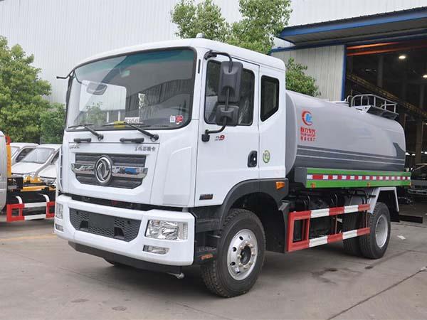 新款東風D9 12噸灑水車