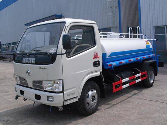 東風多利卡2噸藍牌灑水車