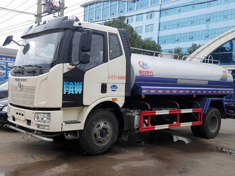 國五8噸解放J6灑水車