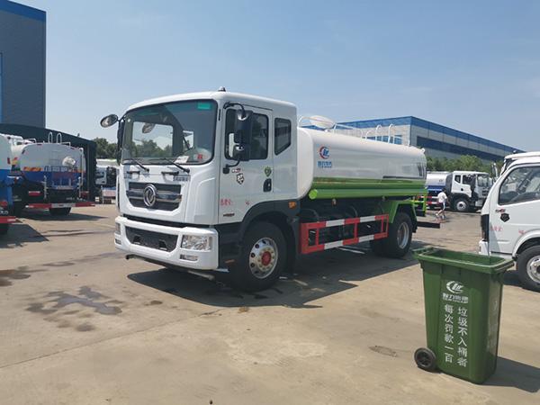 国六东风D9 12吨(方)洒水车