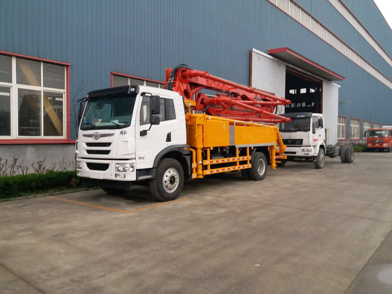 厂家库存急售24米26米小型混凝土泵车二手车