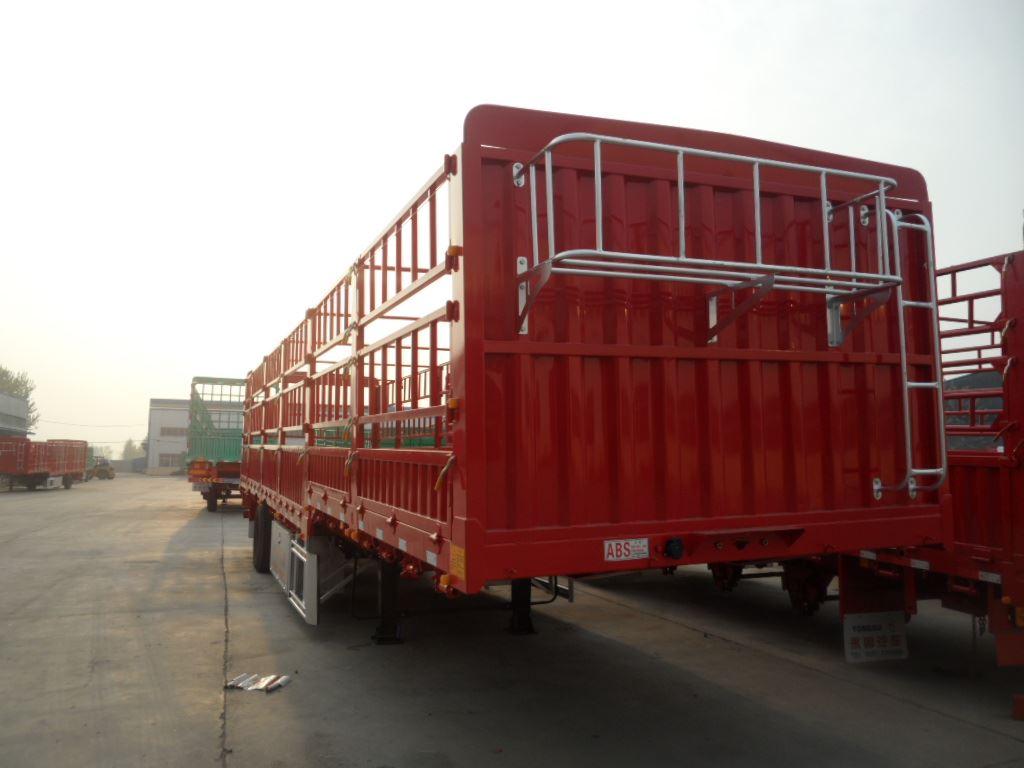 厂家低价位销售11米--13米高栏半挂车二手车
