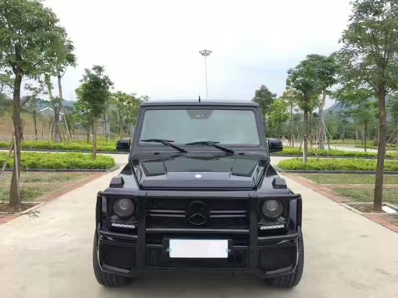 15奔驰G63 AMG 黑色 黑红格子皮内饰