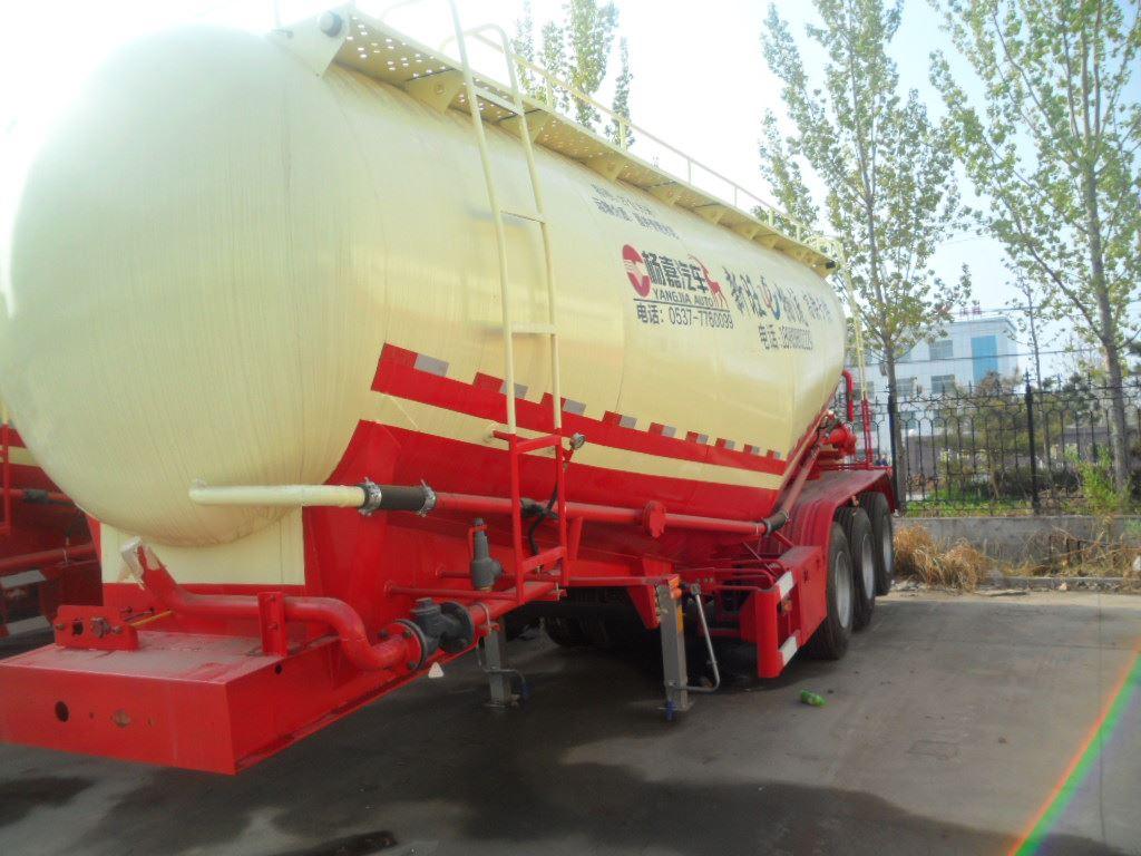 【伊犁】散装水泥罐车30到70立方都有 价格7.00万 二手车