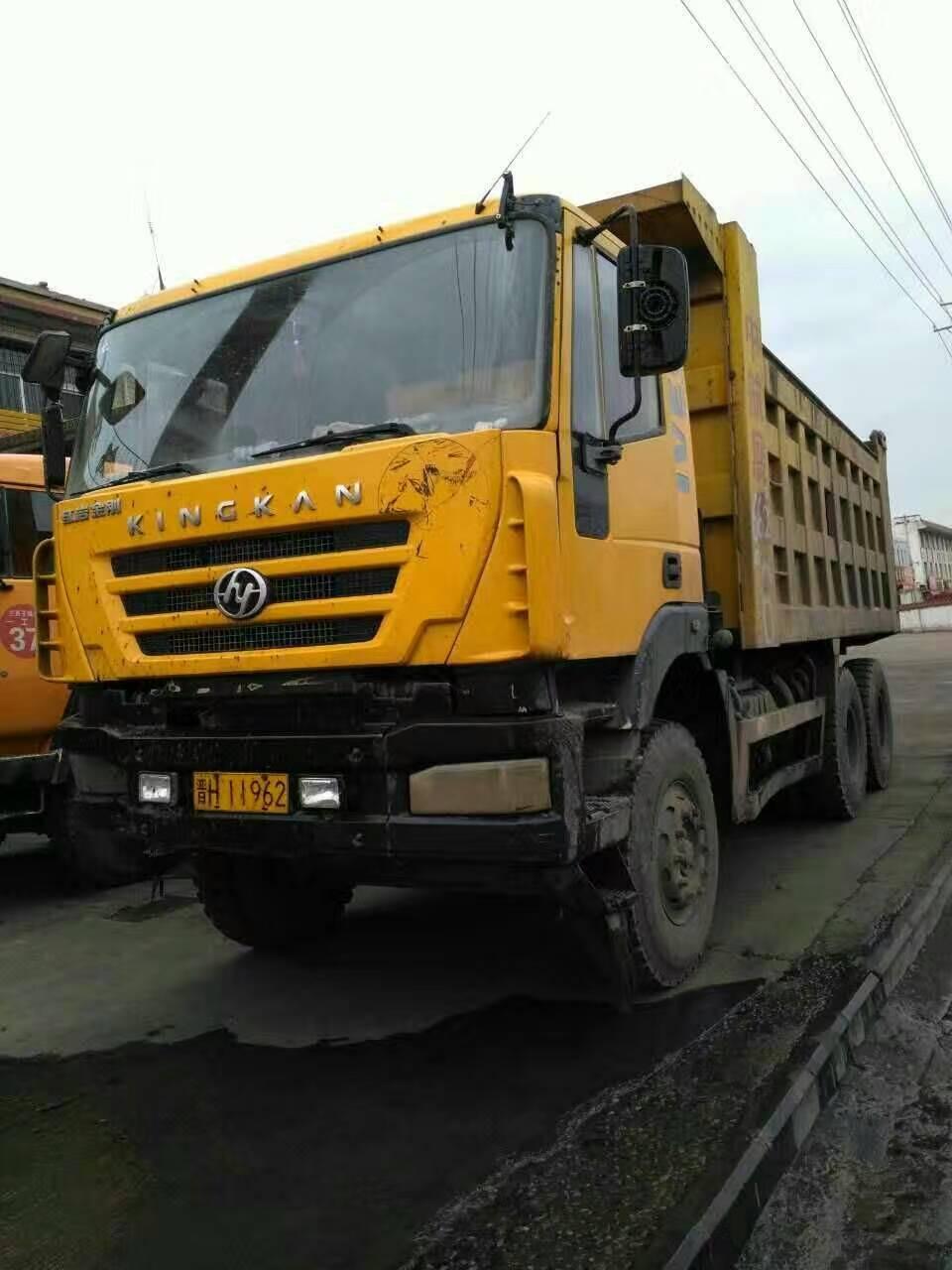 转让忻州二手红岩新金刚后八轮工程自卸车