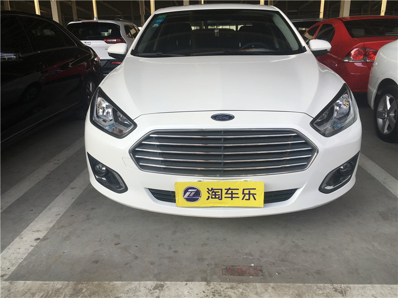 福睿斯 2015款 1.5L 自动时尚型