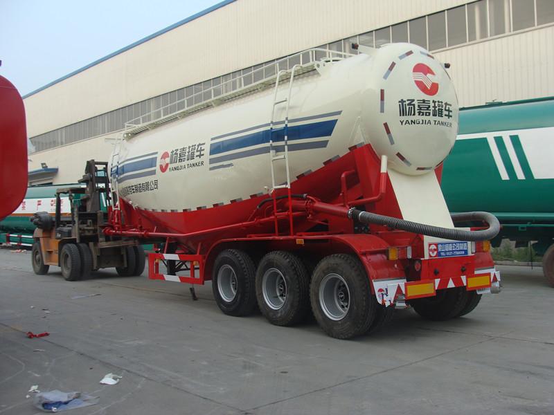 9.5米 38方 钛猛合金轻型水泥罐车二手车