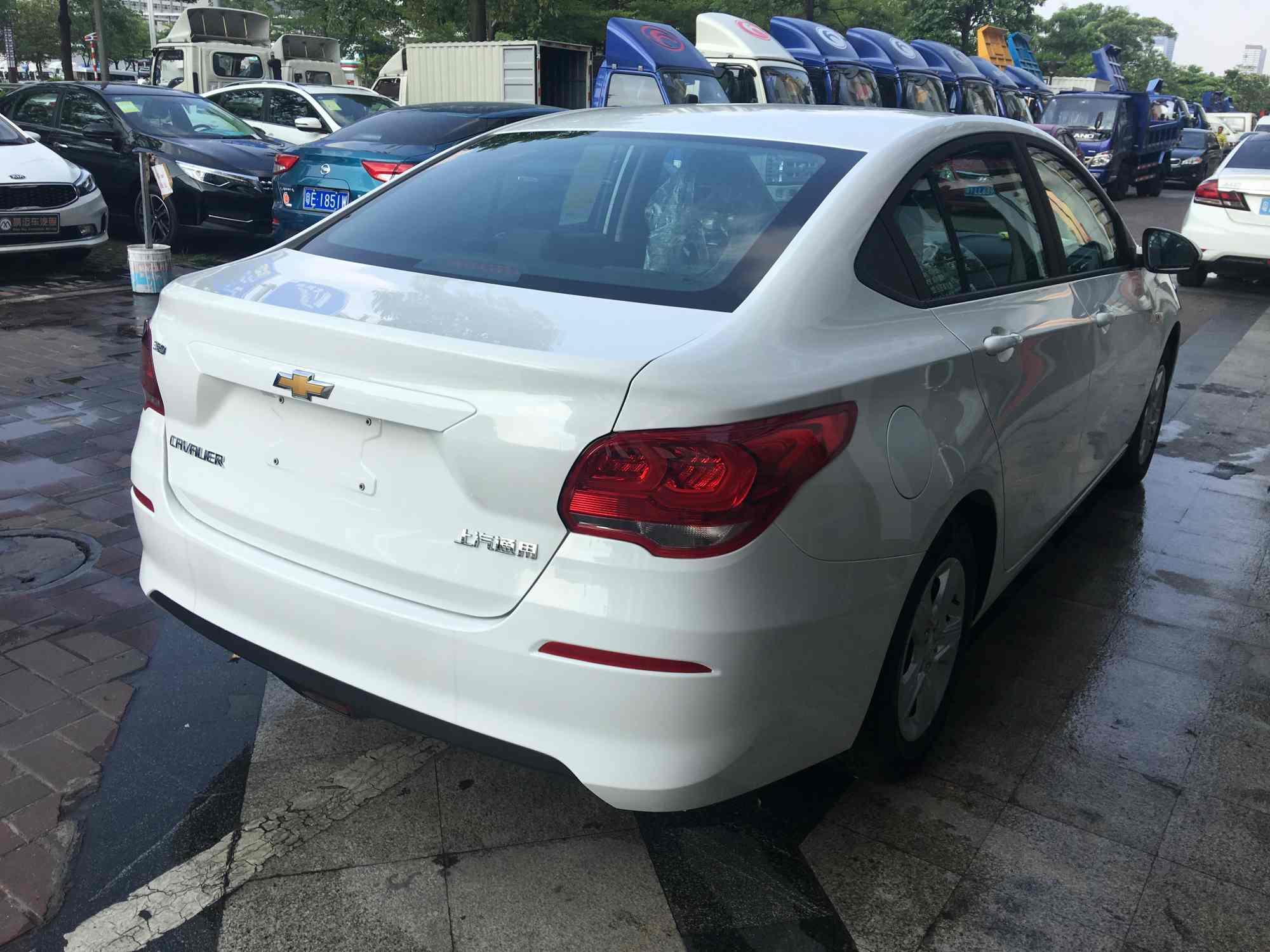 【广州】雪佛兰科沃兹1.5AT天窗版 价格6.80万 二手车