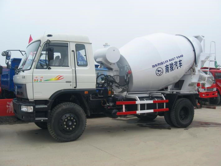 【随州】四川现代南骏6方水泥罐车价格优惠 价格16.80万 二手车