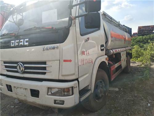 东风多利卡 16年7月 160马力  8.3立方米柴油专用