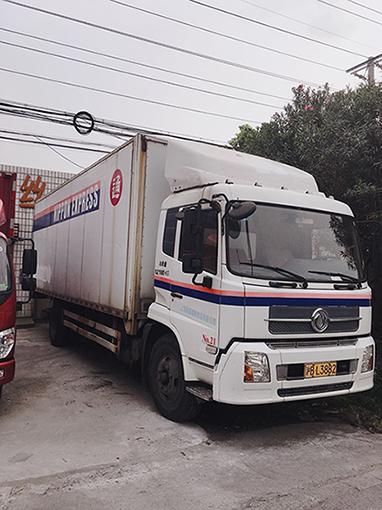 东风天锦7.5米电动双飞翼厢式货车二手车
