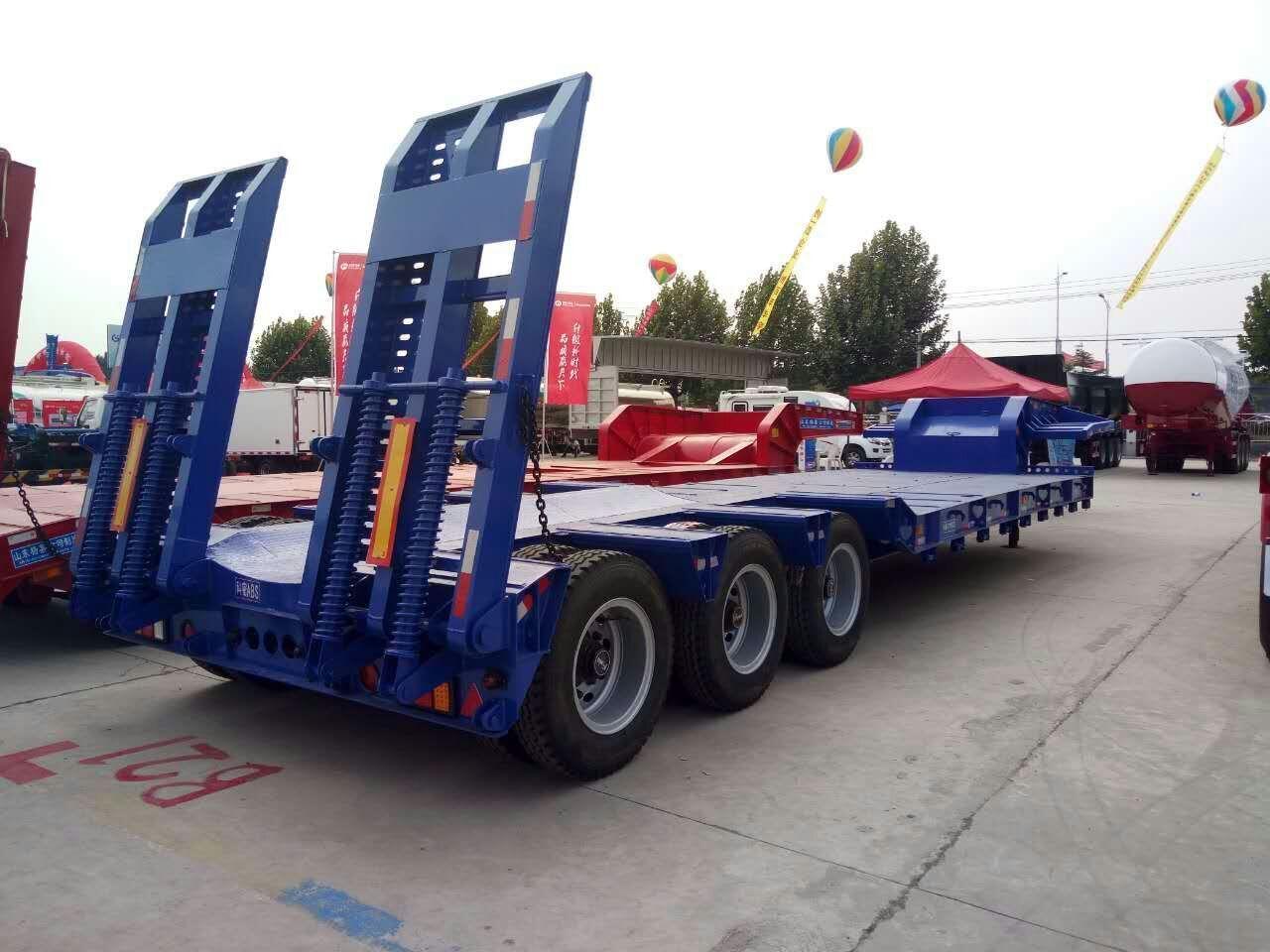 10.5米挖掘机运输车