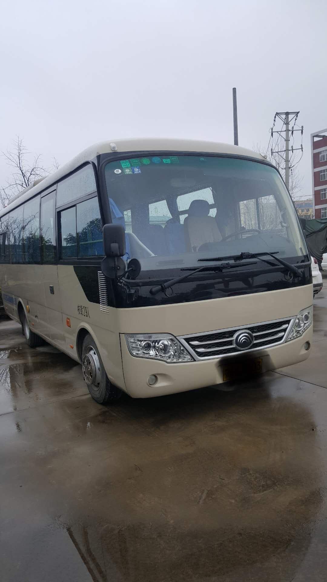 大型普通客车