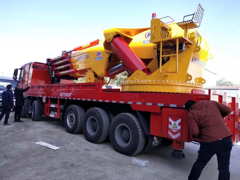 100吨起重机折臂吊车什么配置