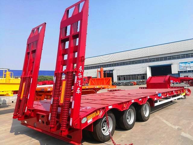 订做10.5米 12米 13米挖掘机运输车