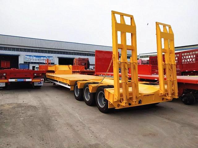 订做13米挖掘机运输车 可做轮胎外露或不外露 二手车