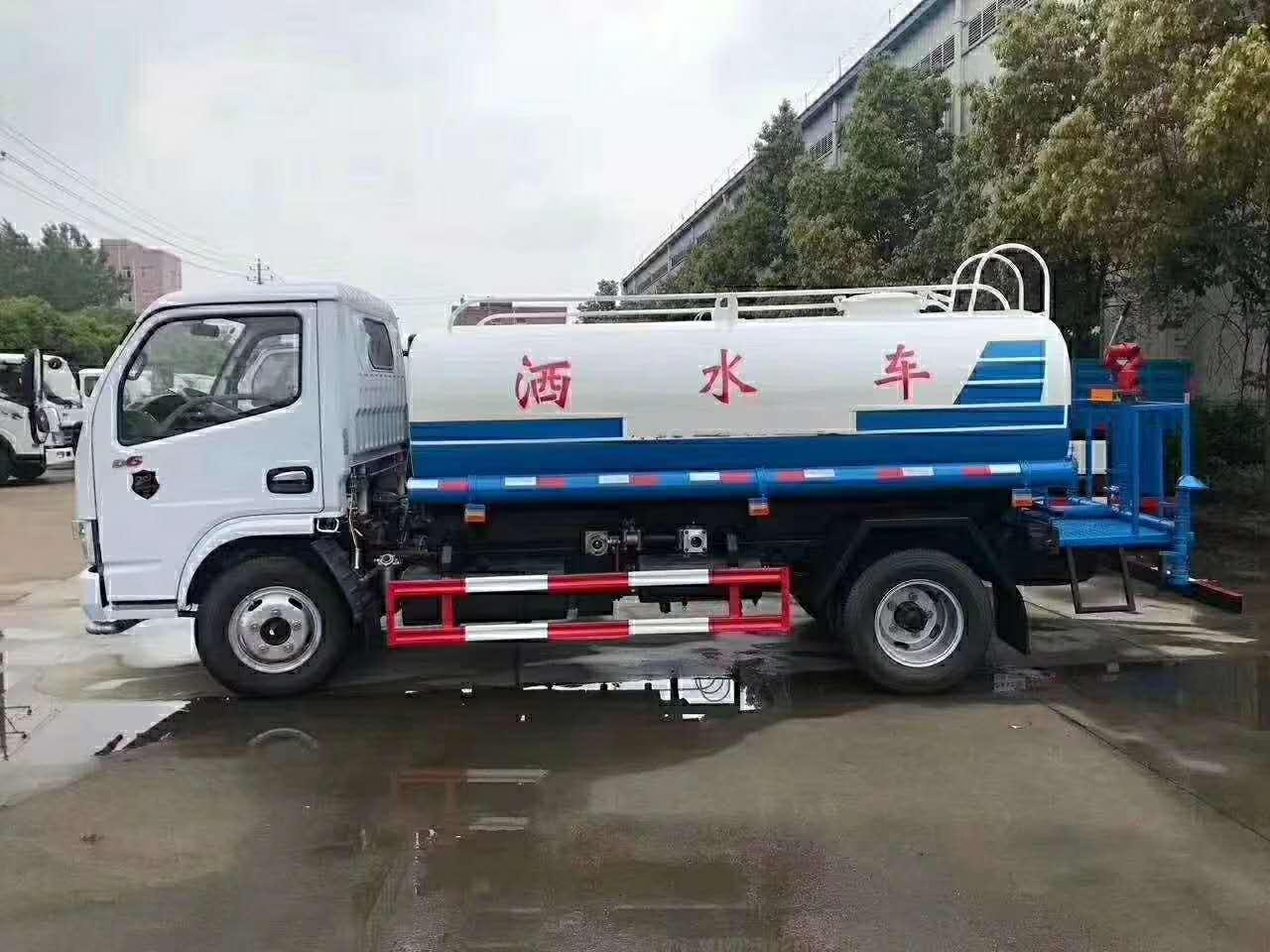 东风多利卡5吨洒水车二手车