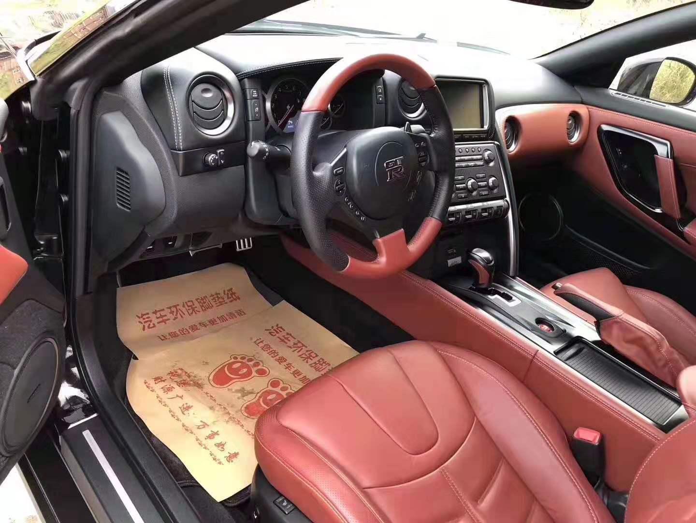 2015年战神日产GTR