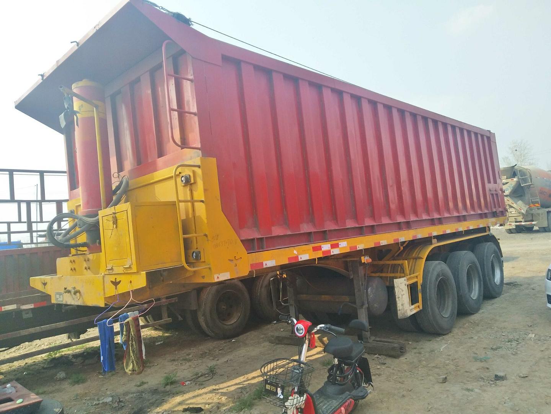 山東大量出售二手8米11米半掛后翻自卸車