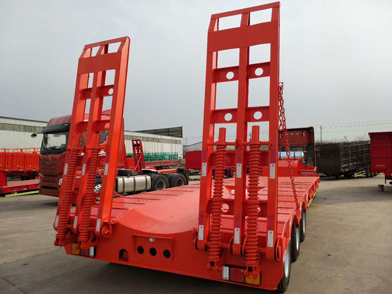 山东低平板专家 订做2桥3桥低平板运输车全国发货
