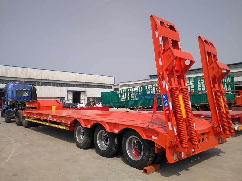 广西专业定做13米轻型挖掘机运输车