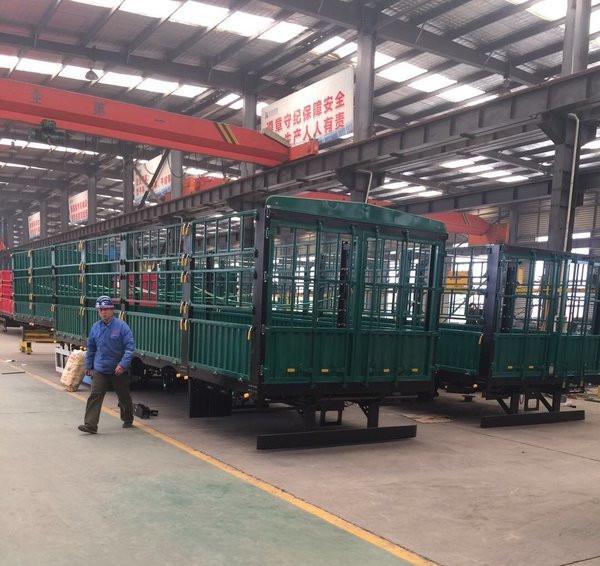 天津鵝頸倉欄半掛車13米 東華汽車制造廠專家制造二手車