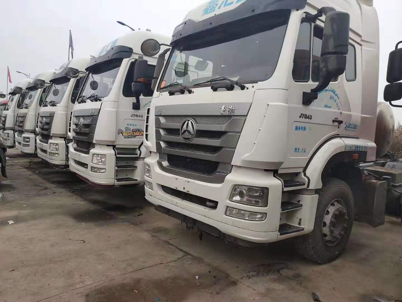 出售二手LNG浩瀚雙驅輕體430馬力國五牽引車可按揭二手車