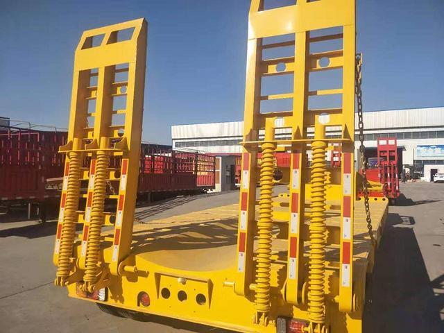 內蒙訂做2/3橋挖掘機板工程機械運輸車二手車