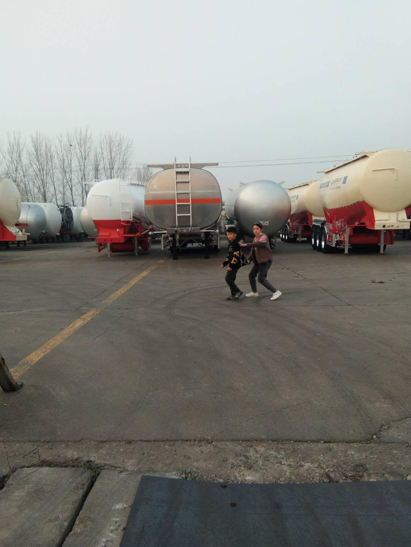 梁山廠家訂做散裝水泥罐車二手車