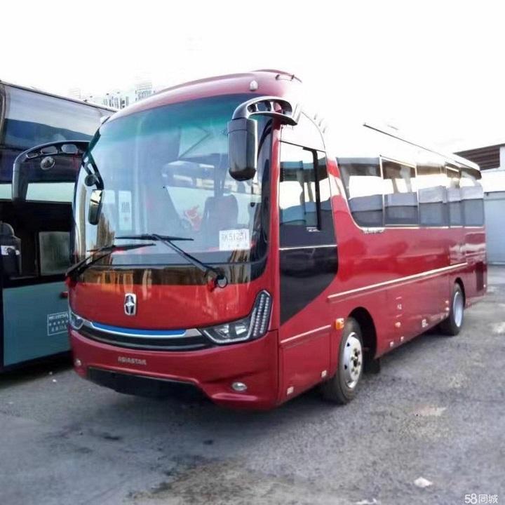 亚星23座客车红色
